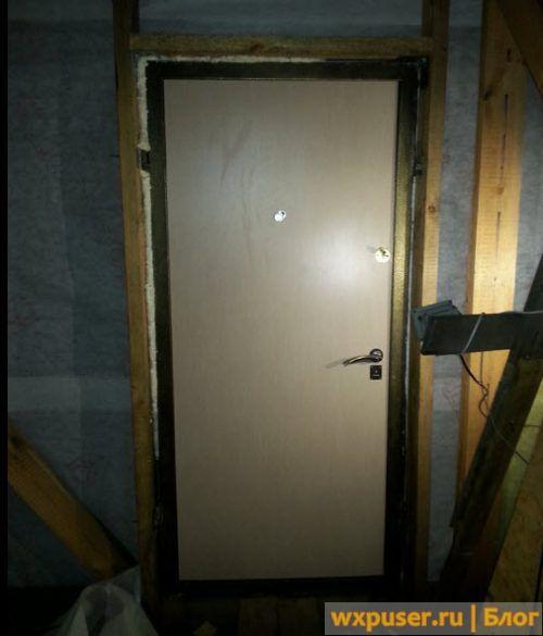 дверь в каркасный дом