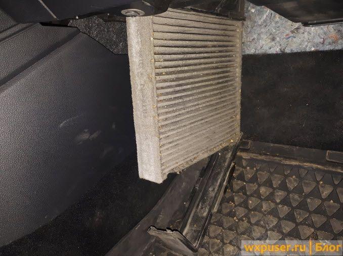 Замена салонного фильтра на VW Polo 2012
